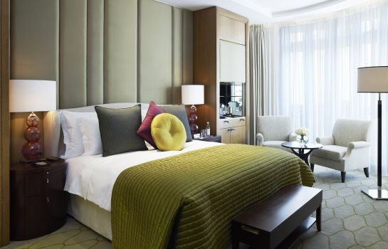 Double room (standard) Corinthia Hotel London