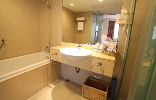 Bathroom Days Inn Guangzhou