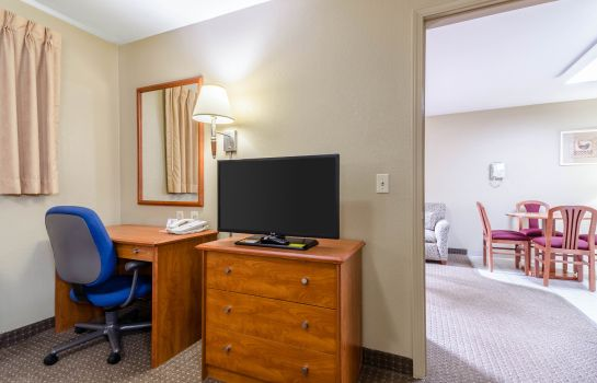 Camera Econo Lodge  Inn & Suites I-35 at Shawnee Mission