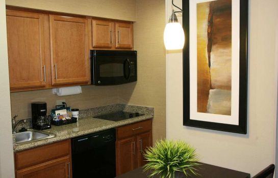 Hotel-Bar Homewood Suites Cedar Rapids-North