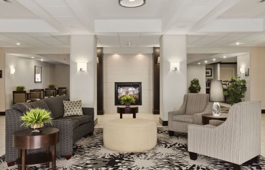 Lobby Homewood Suites Cedar Rapids-North