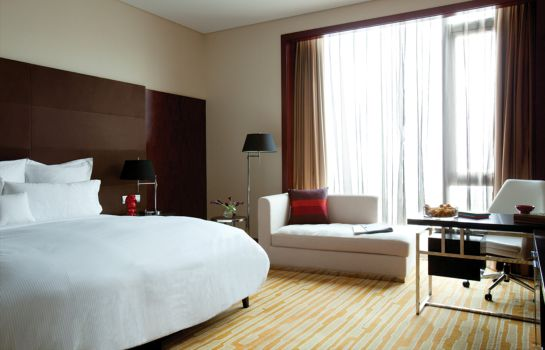 Double room (standard) Beijing Capital Airport Cordis Former Langham Place Beijing Capital Airport