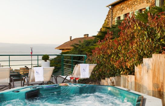 Whirlpool Hotel The Originals Le Jules Verne (ex Relais du Silence)