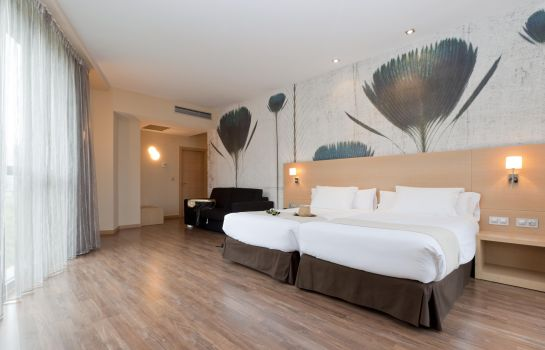 Four-bed room Sercotel Gran Bilbao
