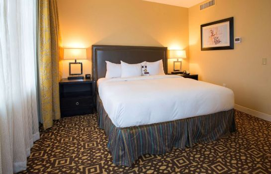 Zimmer DoubleTree Suites by Hilton Detroit Downtown - Fort Shelby