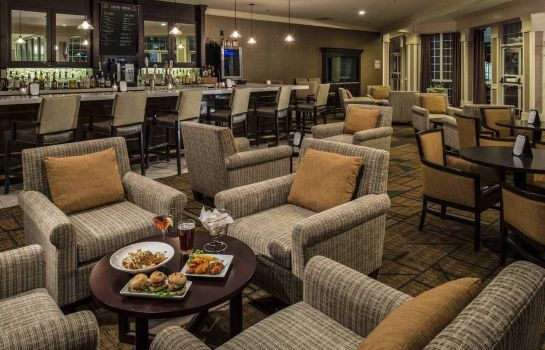 Hotel-Bar DoubleTree Raleigh Durham Airport at Research Triangle Park