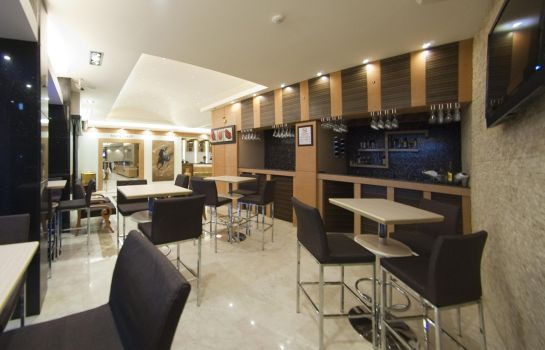 Bar del hotel Marlight Boutique