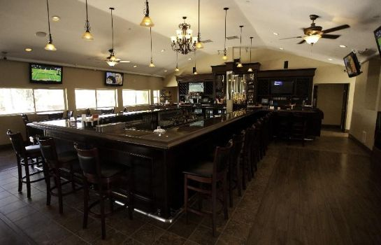 Bar hotelowy CARLTON OAKS GOLF CLUB LODGE