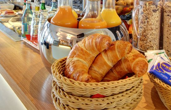 Breakfast buffet Zeitwohnhaus Suite Hotel & Serviced Apartments Superior