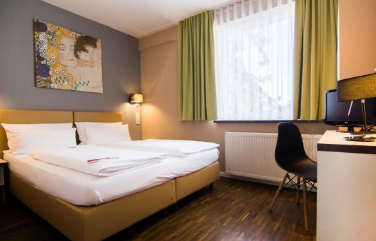 Four-bed room Zeitwohnhaus Suite Hotel & Serviced Apartments Superior
