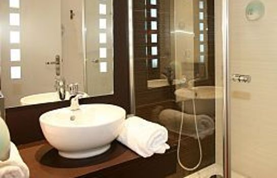Bathroom Zenia Hotel & Spa