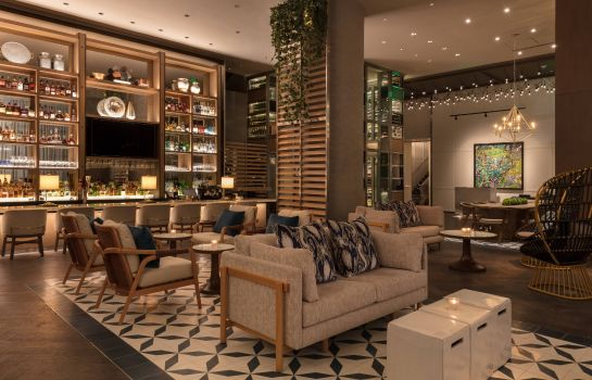 Hotel bar Hotel Beaux Arts Autograph Collection