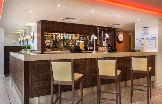 Bar de l'hôtel Holiday Inn Express COLCHESTER