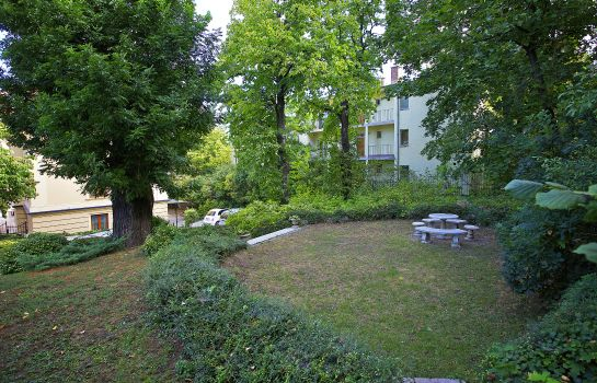 Tuin Gold Apartments