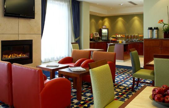 Restaurant Fairfield Inn & Suites Montreal Airport