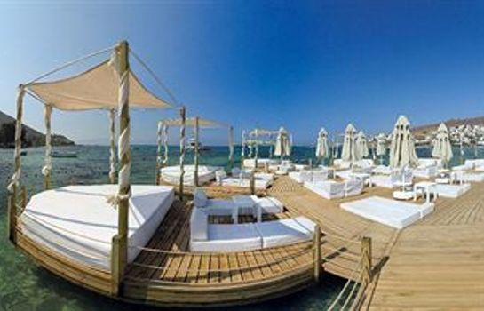 Terrace Camelot Boutique & Beach