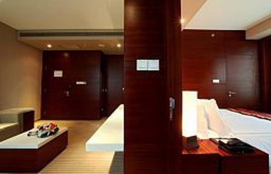 Suite Ramada Plaza Shanghai Caohejing (New Building)