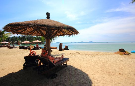Strand Aana Resort & Spa
