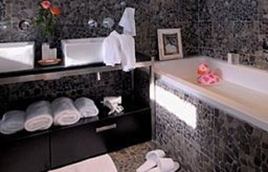 Bathroom DysArt Boutiquehotel