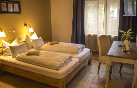 Double room (standard) Raffelsteiner Hof Pension