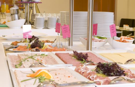 Breakfast buffet Mercure Hotel MOA Berlin