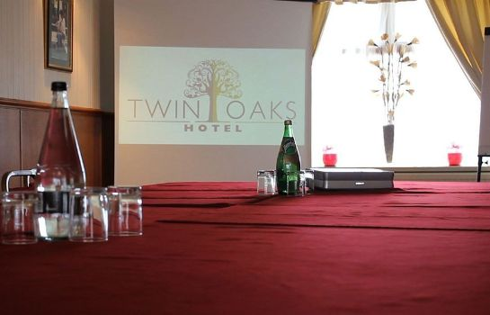 Meeting room Twin Oaks Hotel
