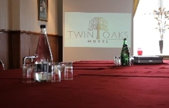 Conference room Twin Oaks Hotel