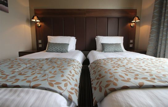 Single room (superior) Twin Oaks Hotel