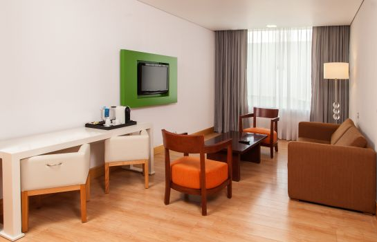 Pokój typu junior suite NH Collection Airport T2
