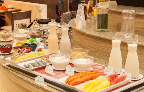 Buffet prima colazione NH Collection Airport T2