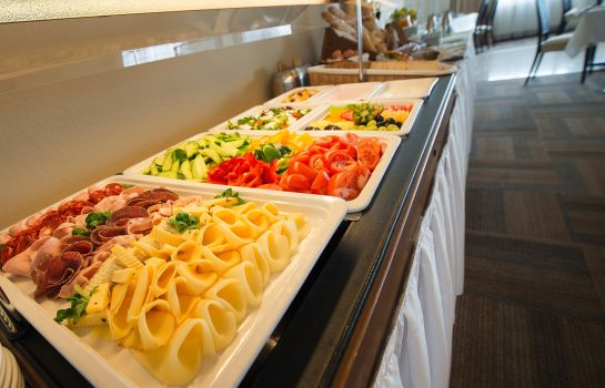 Breakfast buffet Wellness Hotel Diamant