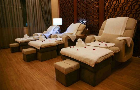 Massage room Fragrant Hill Empark Hotel