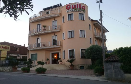 Exterior view Gullo