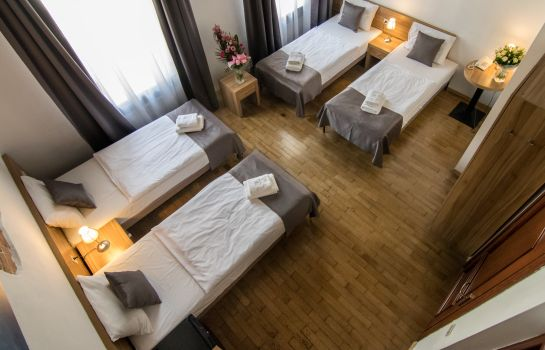 Four-bed room Pergamin Aparthotel