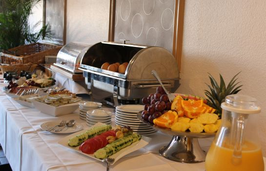 Petit-déjeuner buffet Am Hafen HotelPension