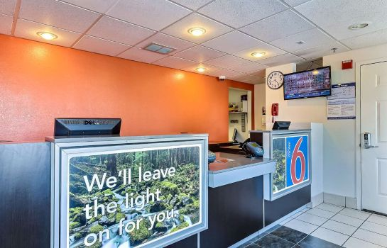 Hall MOTEL 6 PINOLE