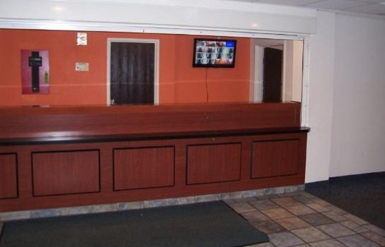 Lobby MOTEL 6 LOUISVILLE AIRPORT