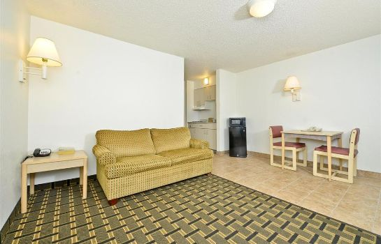 Suite MOTEL 6 LOUISVILLE AIRPORT