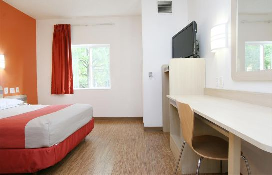 Zimmer MOTEL 6 BURLINGTON