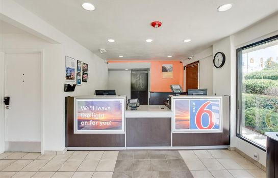 Hall MOTEL 6 COLUMBIA WEST