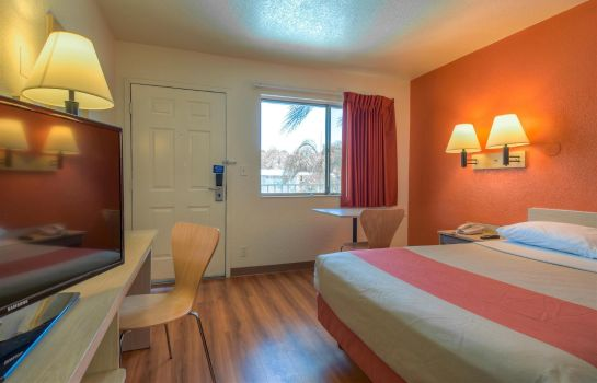Habitación MOTEL 6 RIVERSIDE WEST JURUPA VALLEY