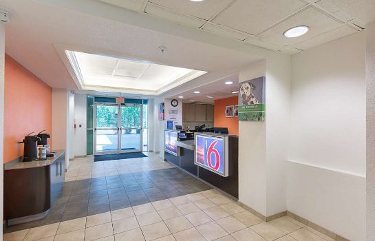 Lobby MOTEL 6 COLUMBIA EAST