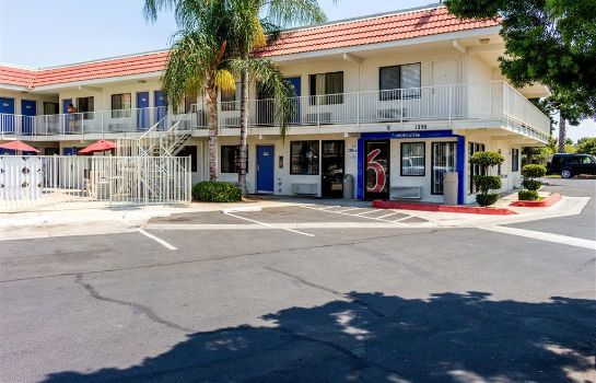Buitenaanzicht MOTEL 6 BAKERSFIELD CONVENTION CENT