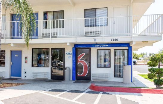 Camera MOTEL 6 BAKERSFIELD CONVENTION CENT
