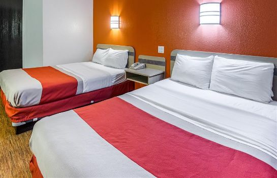 Zimmer MOTEL 6 FT WORTH - BENBROOK