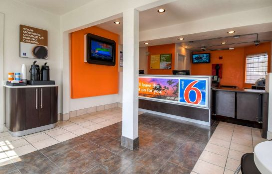 Lobby MOTEL 6 ESCONDIDO