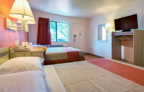Room MOTEL 6 ESCONDIDO