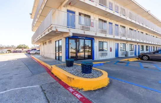 Buitenaanzicht MOTEL 6 DALLAS - GARLAND