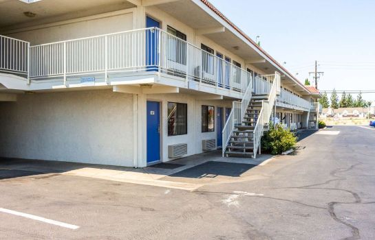 Exterior view MOTEL 6 BAKERSFIELD CONVENTION CENT