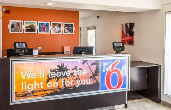 Hotelhal Motel 6 Bakersfield Convention Cent